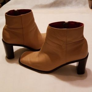 <NATURALIZER>  Leather Ankle Boot - Size 6.5W